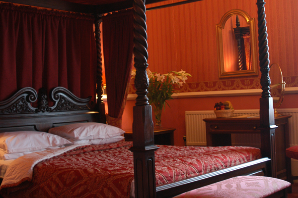 One Night Luxury Stay For Two At The George Hotel