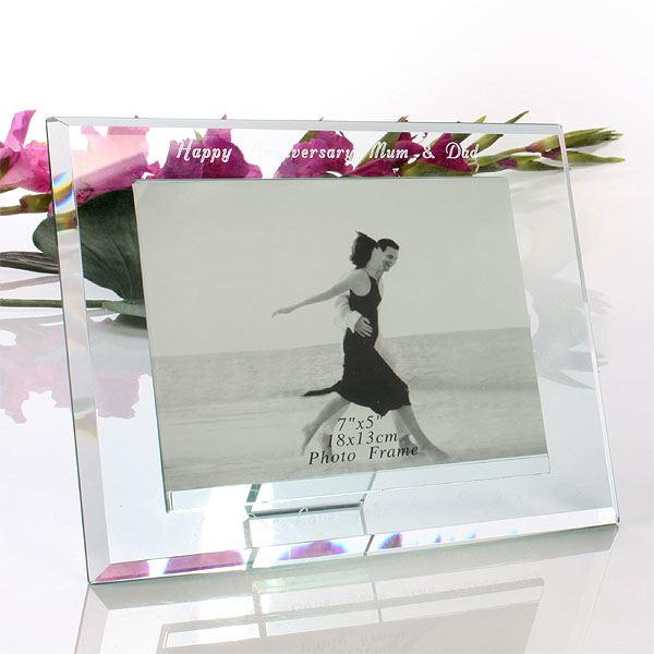 how to clean glass photo frames