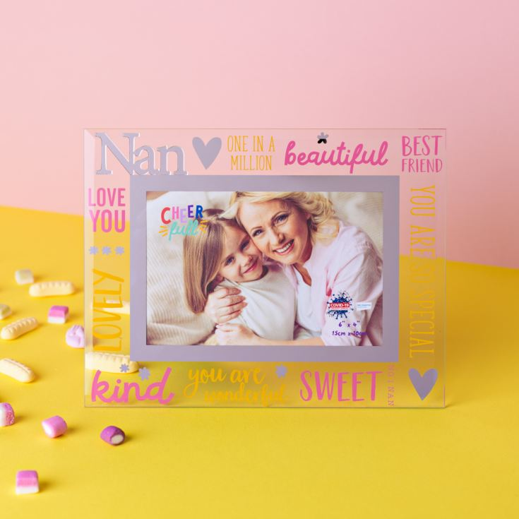 "6"" x 4"" Cheerful Glass Photo Frame - Nan product image"