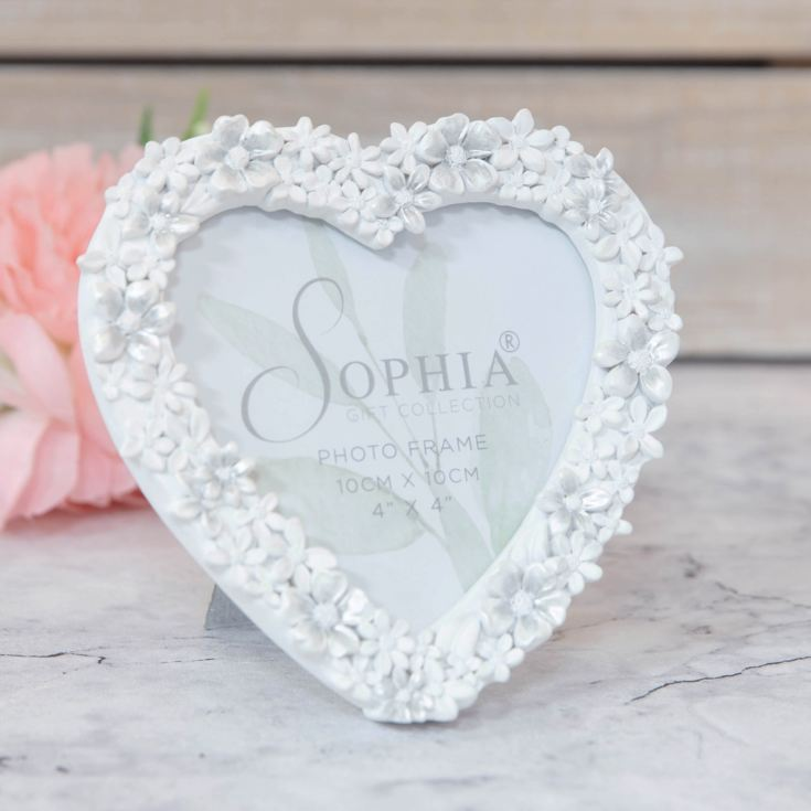 "4"" x 4"" - White Floral Resin Heart Shaped Photo Frame product image"