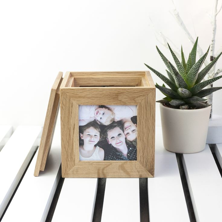 Engraved Wreath Mother's Day Oak Photo Cube product image