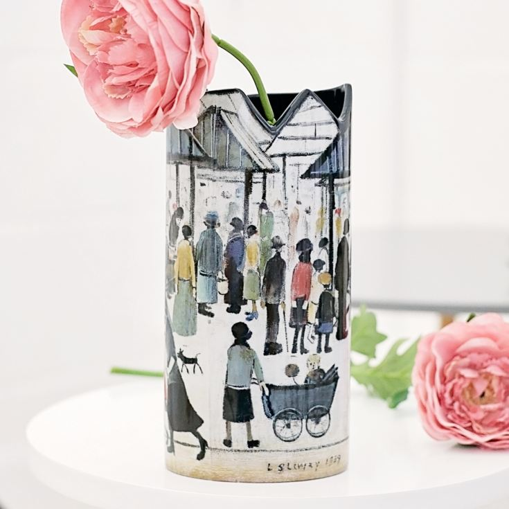 Silhouette D'art Vase - Lowry's Market Scene product image