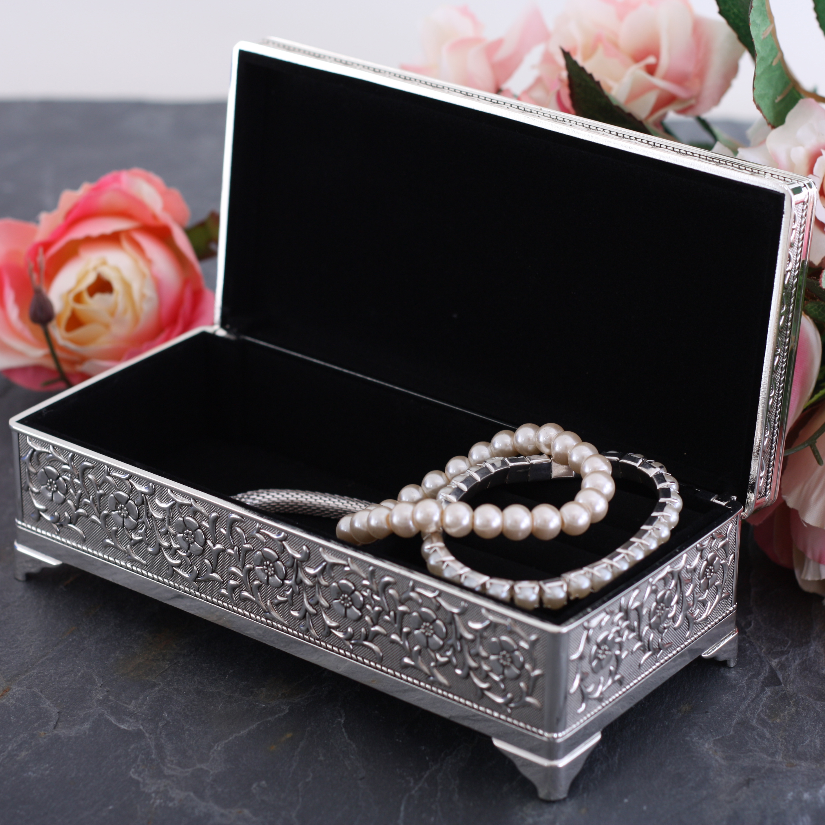 What to give for a pearl wedding
