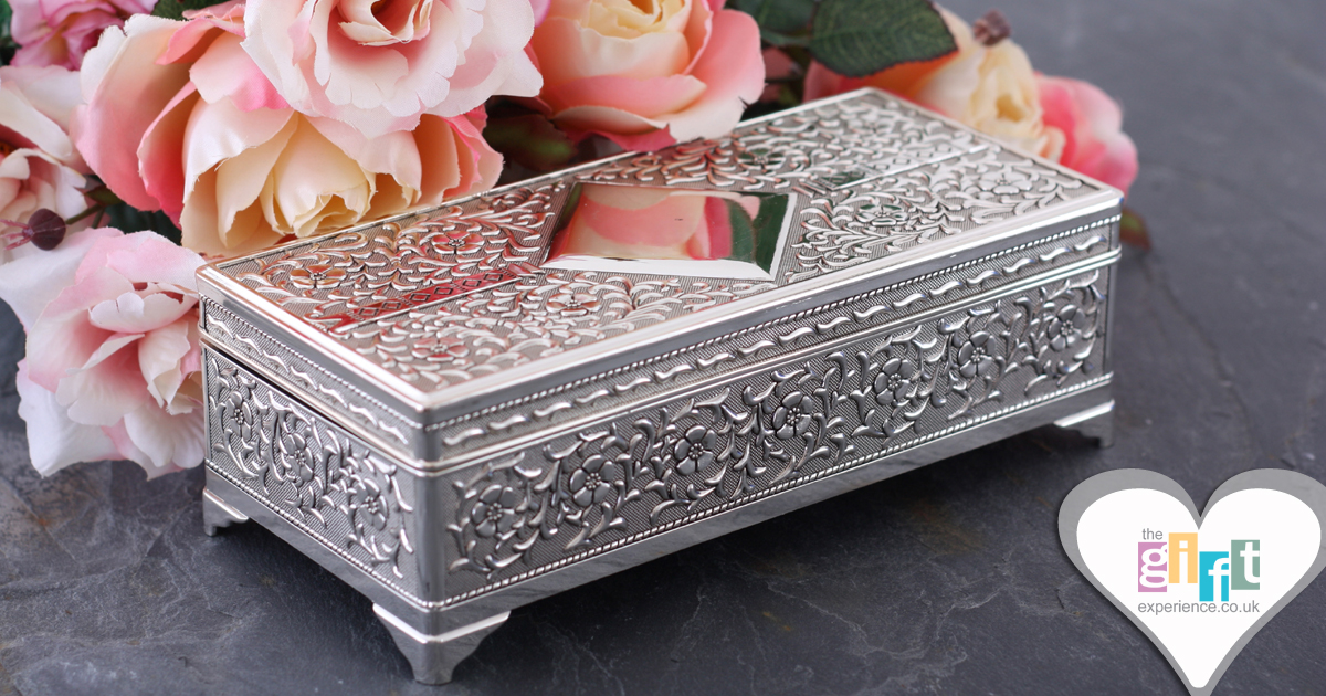 Silver plated antique jewellery box with plaque for an engraved message