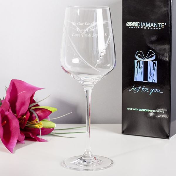Engraved heart wine glass
