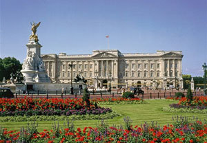 Buckingham Palace And Champagne Afternoon Tea For Two
