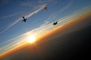 Introductory Tandem Skydive in Devon - Skydive Gifts