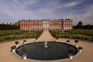 Hampton Court Palace And Champ...