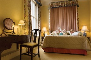 Two Night Romantic Break With Dinner At The Winchester Hotel