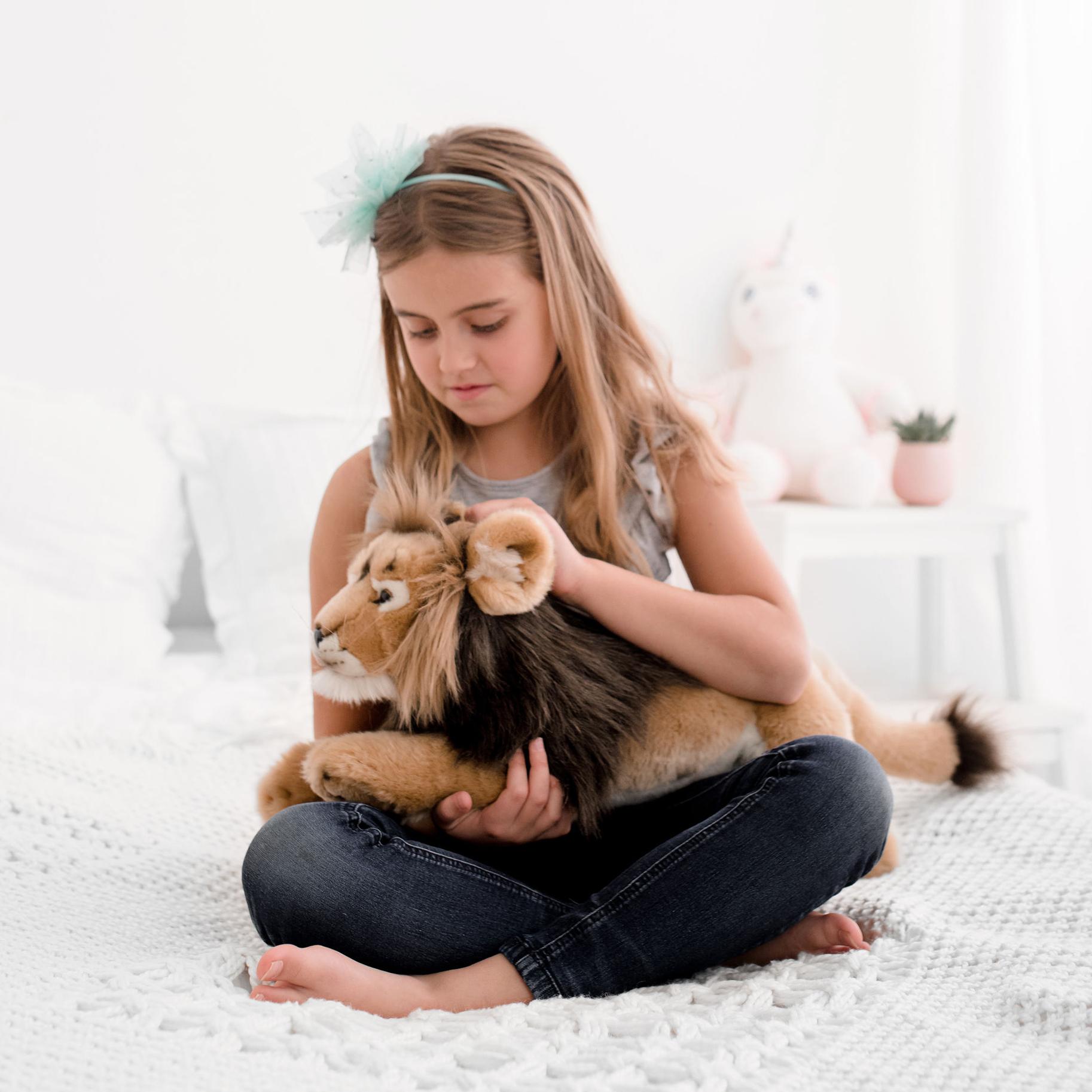 Cuddly Lion - Cuddly Gifts