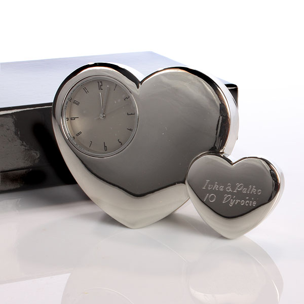 Engraved Twin Heart Clock