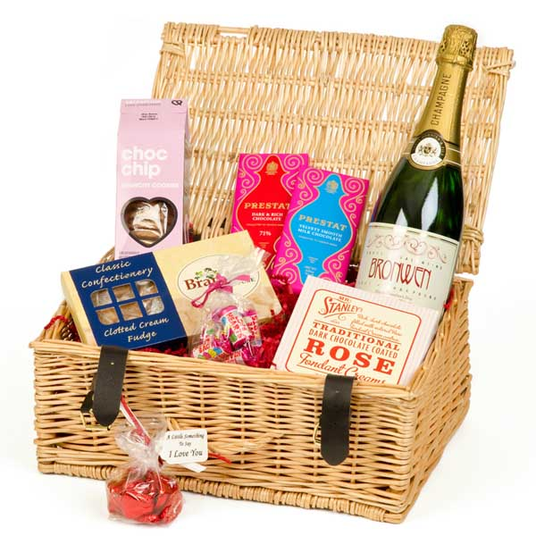 Valentines Day Hamper with Personalised Champagne - Valentines Day Gifts